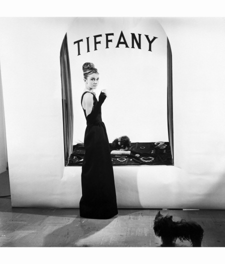 11-breakfast-at-tiffanys-store