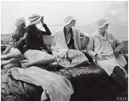 Photographed by Edward Steichen Vogue 1928