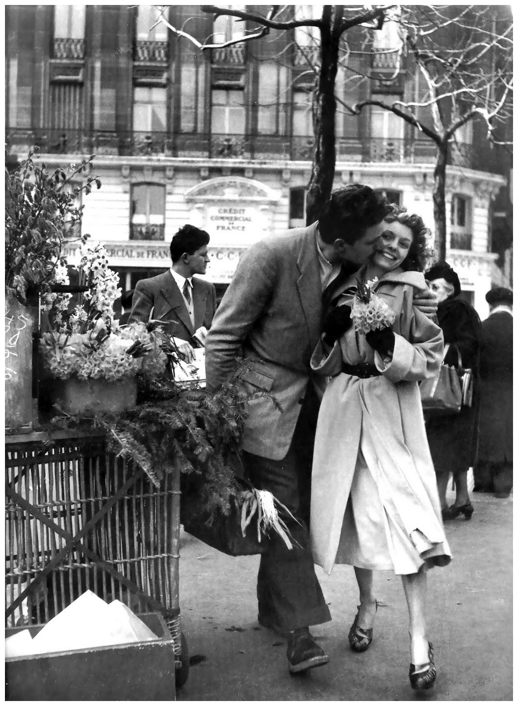 Photo robert doisneau le bouquet de jonquilles paris for Hotel couple paris
