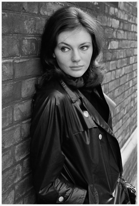 Photo Patrick Lichfield - Jaqueline Bisset - Wilton place - London - 1964