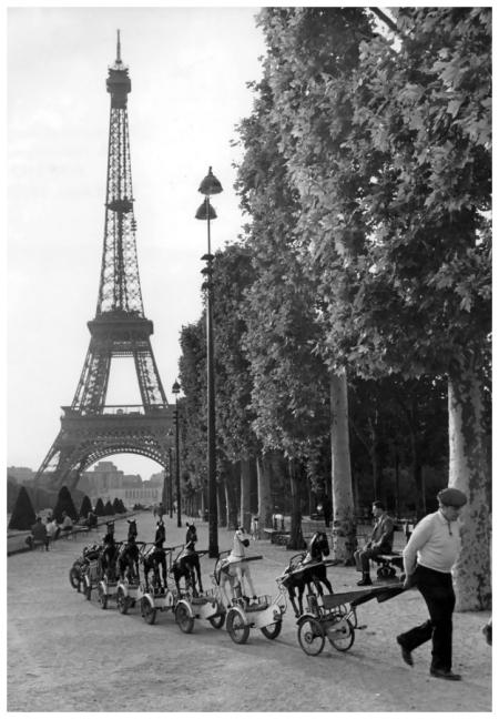 Robert Doisneau La cavalerie du Champs de Mars Paris, June 1969