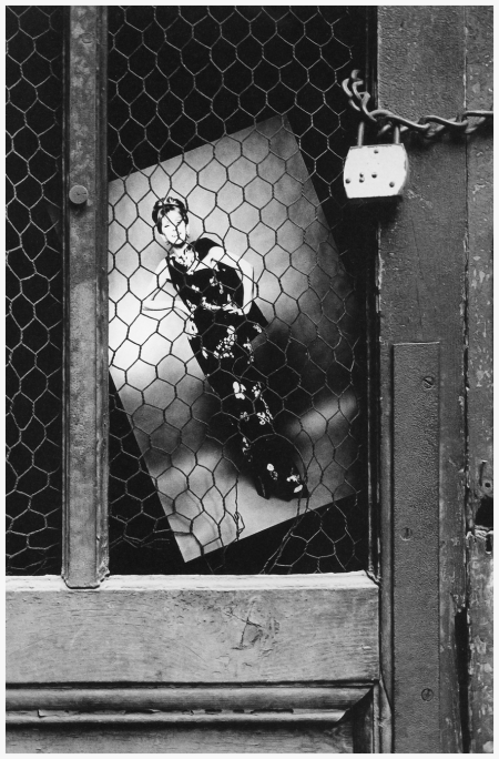 The Paris Collections, photo by Jeanloup Sieff, Harper's Bazaar, 1963