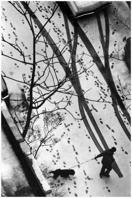 André Kertész - MacDougal Alley, New York City, 1977