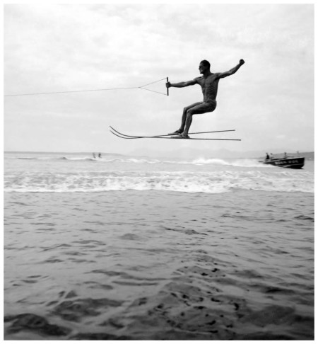 Championnat du monde de saut à ski, Juan-les-Pins, septembre 1938 Photo Jacques-Henri Lartigue