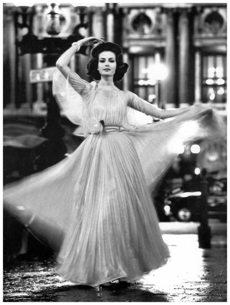 Gitta Schilling , Place de l'Opera, Paris, for Stern magazine, March 1962