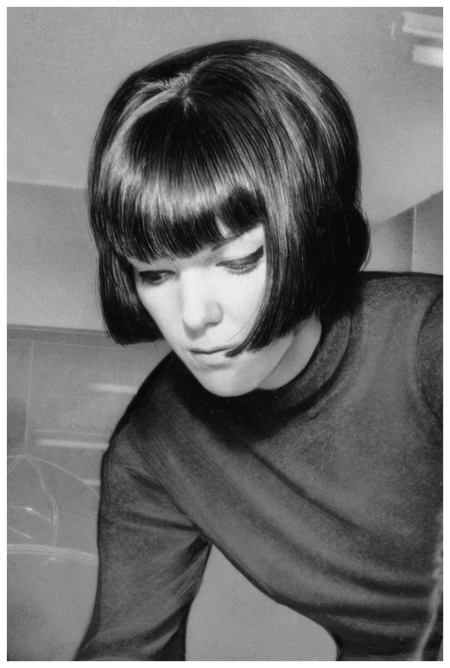 1968 - Mary Quant shows off a classic Sassoon bob