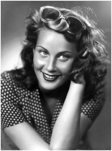 Alida Valli actress 1946 - Foto Arturo Ghergo