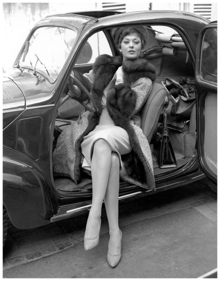 Barbara Mullen in tweed coat lined in sable with sable collar and cuffs and sable hat by Chanel, photo by Georges dambier, ELLE, September 1, 1958