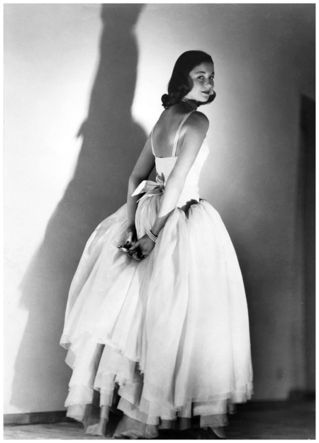 Consuelo Crespi C.ssa - 1951-52 abito Galitzine - Foto Arturo Ghergo