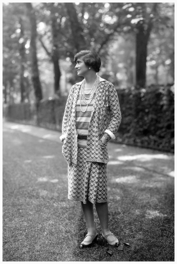 Coco Chanel 告訴你 女人最理想的衣櫥應該有6大元素: Designer Gabrielle 'Coco' Chanel Paris 1929