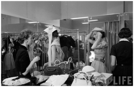 Evelyn Tripp Backstage Eliot Elisofon Shot 1952 Glamour Fashion Shot b1
