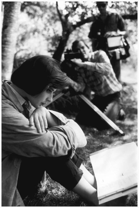 Isabella Rossellini studying her lines for David Lynch's film Blue Velvet, in Massachusetts, 1985 Eve Arnold