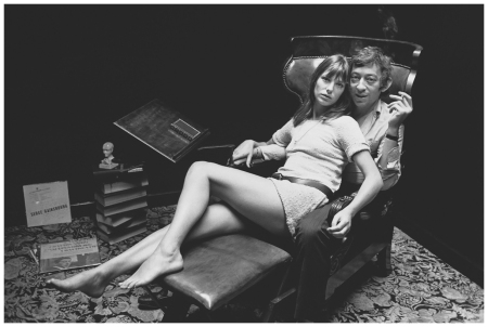 Jane Birkin and French singer-songwriter Serge Gainsbourg, at home in Paris. (Photo by Reg Lancaster:Getty Images)