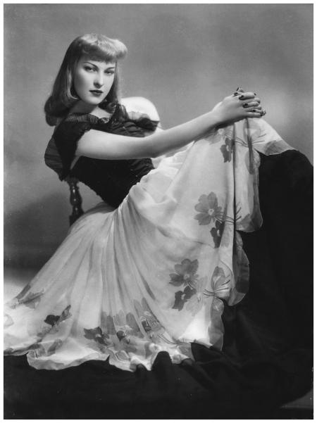 Mariella Lotti attrice 1942-43 Foto Arturo Ghergo