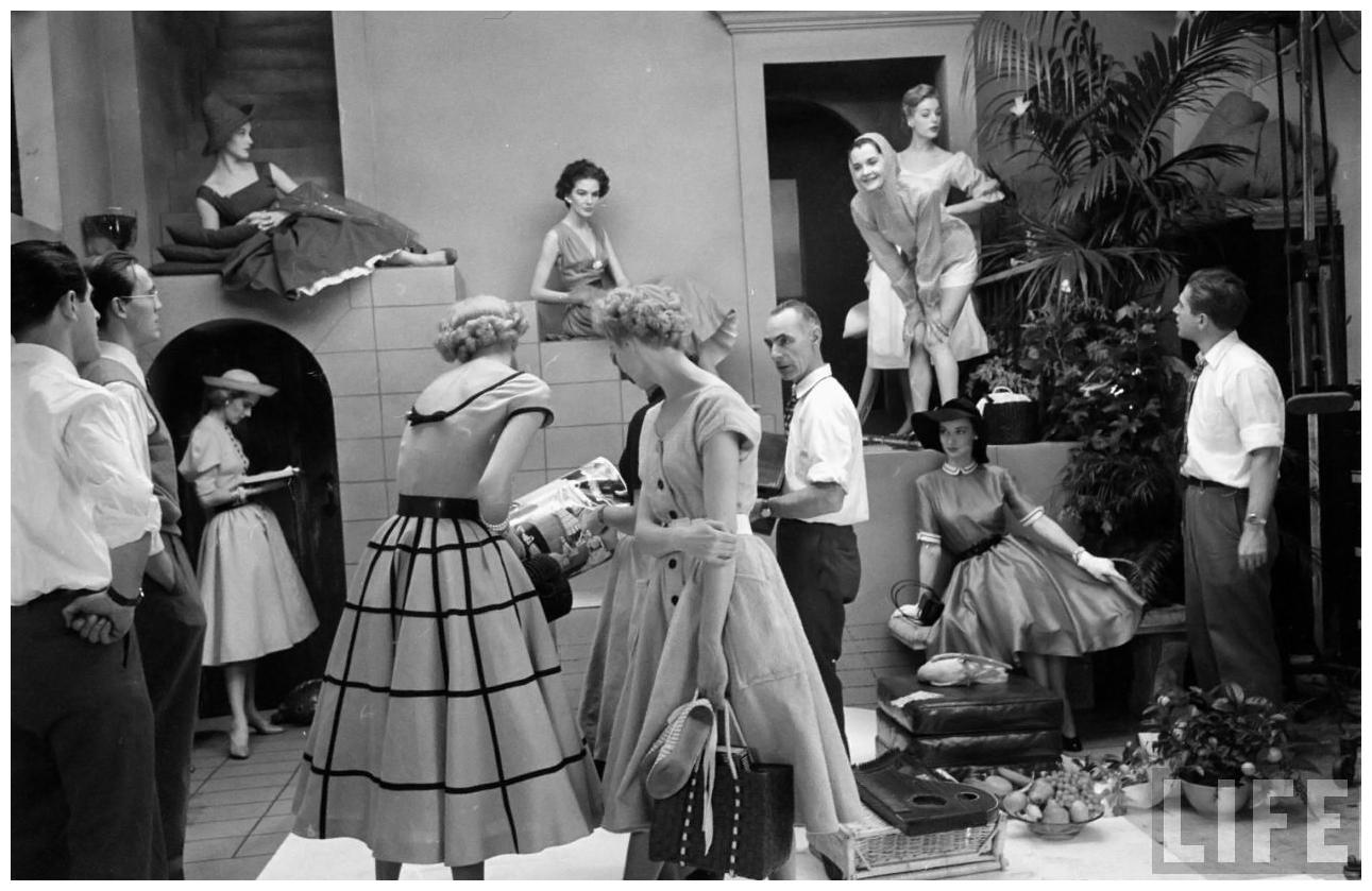 Model Regard Eliot Elisofon Shot 1952 Glamour Fashion Shot b