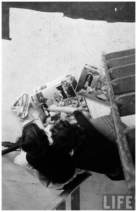 Model Regard Eliot Elisofon Shot 1952 Glamour Fashion Shot