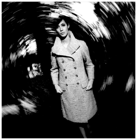 Moyra Swan in an advertising shot for Woollands (II) photo by Terence Donovan, 1965