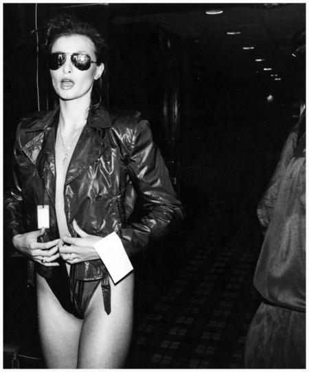 Photo Rose Hartman Apollonia backstage at Bill Kaiserman to 1979