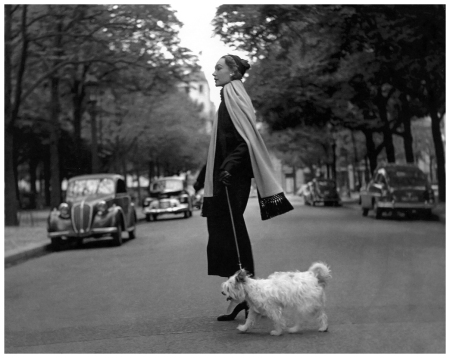 Sophie Litvak in black jersey suit with long turquoise muffler by Jean Patou, photo by Georges Dambier, ELLE, Sept. 8, 1952