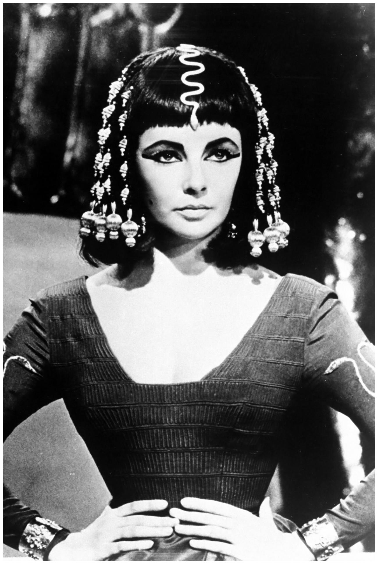 Cleopatra Elizabeth Taylor In The Film Cleopatra 1963