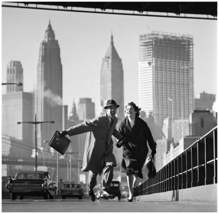 Photo Norman Parkinson - New York, New York, Pippa Diggle and Robin Miller (Parkinson's neighbours in New York), East River Drive, New York,1960