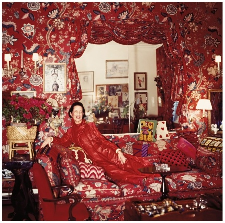 Horst P. Horst fotografierte Diana Vreeland 1979 in ihrem Salon in New York