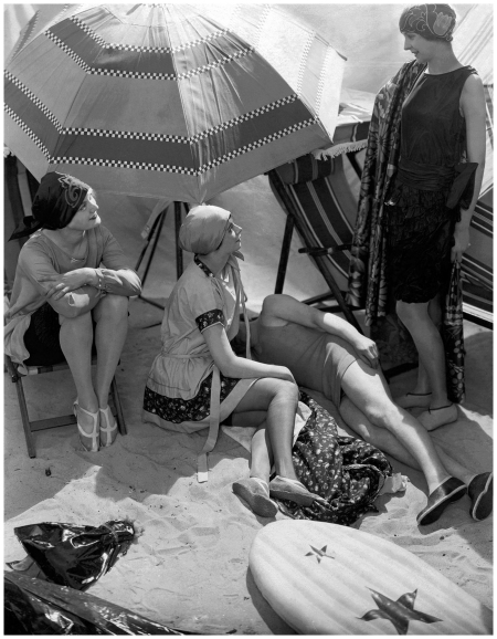 Beachwear circa 1925, photographed by Edward Steichen