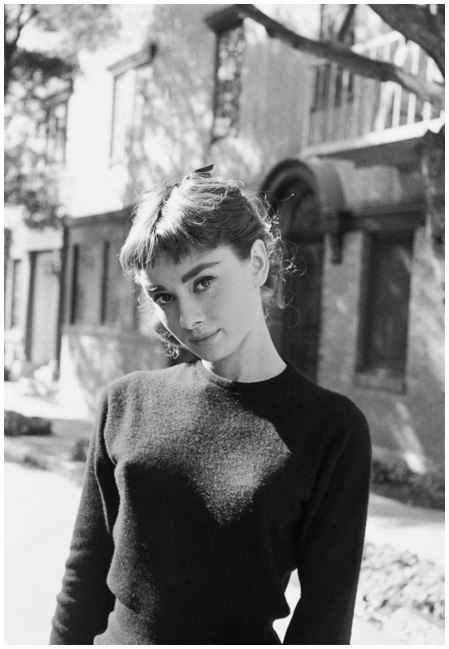 Photo Mark Shaw - Portrait of Audrey Hepburn Los Angeles 1953