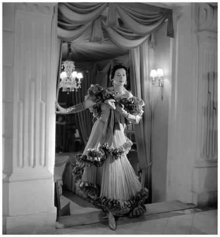 Evening gown of tiers, pleats and ruffles by Jean Dessès, photo by Willy Maywald, Paris, 1950