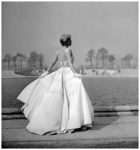 Model in beautiful white satin embroidered evening gown by Jacques Heim, photo by Willy Maywald, 1949
