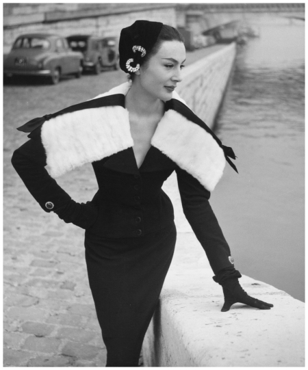 Photo Walde Huth - Model Patricia in Jaques Fath  1955 b