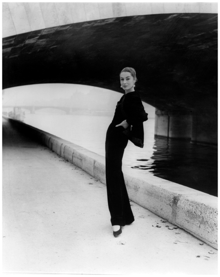 Photo Walde Huth - Model Patricia in Jaques Fath  1955 c
