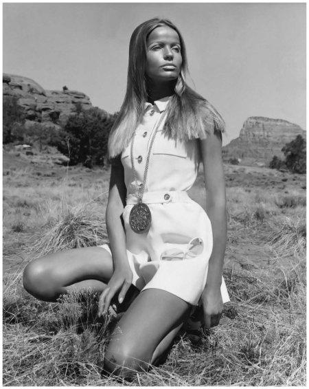 Veruschka Kneeling in the Desert