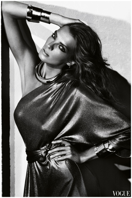 Daria Werbowy - vogue - Photo Mario Testino 2010