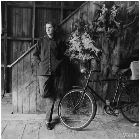 Katharine Mortimer Photographed by Richard Rutledge, Vogue, May 15, 1952