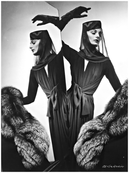 Fashion photo, 1938 Genia Rubin b 1a