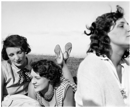 Jacques Henri LartigueBibi, Freddy, Margot. Aix-les-Bains, luglio 1928