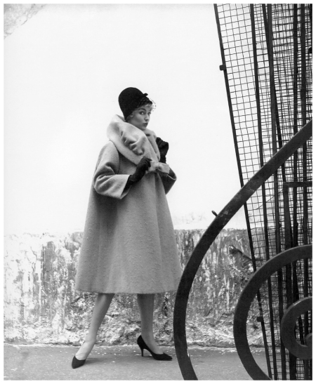 Jill Howard in coat of Shetland bouclé mohair by Lanvin Castillo, photo by Georges Dambier, ELLE, September 1, 1958