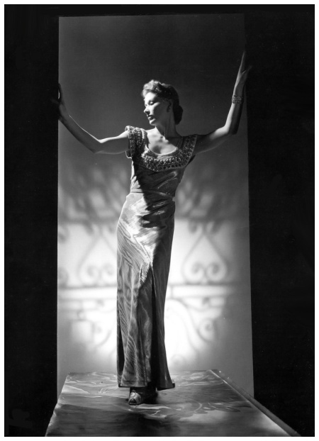 Lisa Fonssagrives byJohn Rawlings, 1939 b