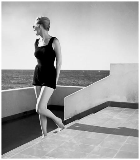 Model Elizabeth Gibbons in Cuba Louise Dahl-Wolfe Archive 1941 b