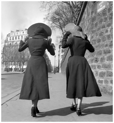 One of the first fashion photographs of Georges Dambier done for the couturier Alwin Camble in 1949