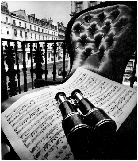 Photo Bill Brandt The Eaton Square Still Life 1948
