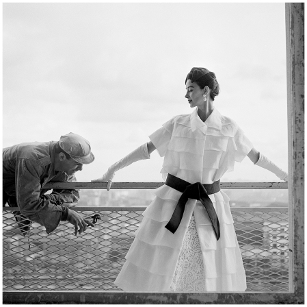 Photo Georges Dambier Dorian Leigh at the balcony 1954