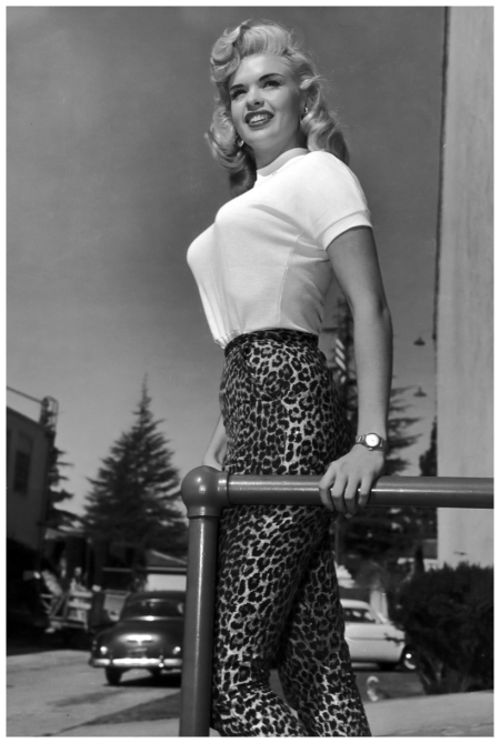 Portrait of American actor Jayne Mansfield (1933 - 1967) standing outdoors in a light-colored T-shirt and leopard print pants. (Photo by Hulton Archive:Getty Images) 1955
