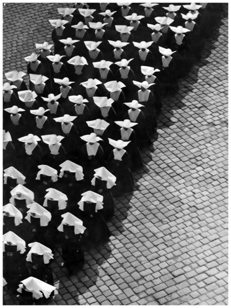 Procession, Ernö Vadas, Budapest, 1934