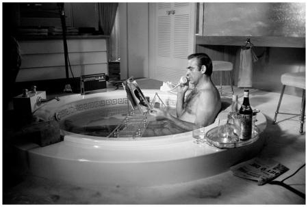 Terry O'Neill  Sean Connery in the bath,Las Vegas 1967