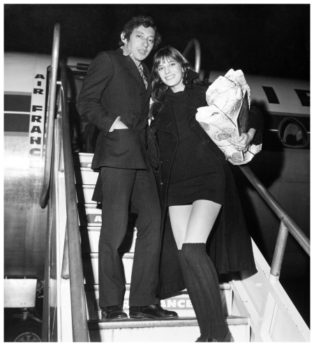 At the Orly Airport, Serge Gainsbourg and Jane Birkin boarding on a Caravelle Air France to London for Christmas, December-1969