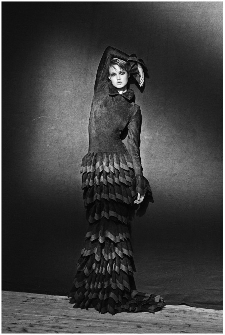 Azzedine Alaia - Vogue - Long tiered dress 2012 Lindasy Wixon Photo Peter Lindbergh_b