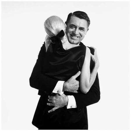 Cary Grant and Sunny Harnett [model], New York, 1959 Richard Avedon