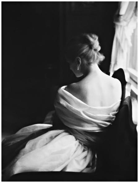 Margie Cato indossa un abito di Emily Wilkins. Foto di Lillian Bassman, N.Y. 1950